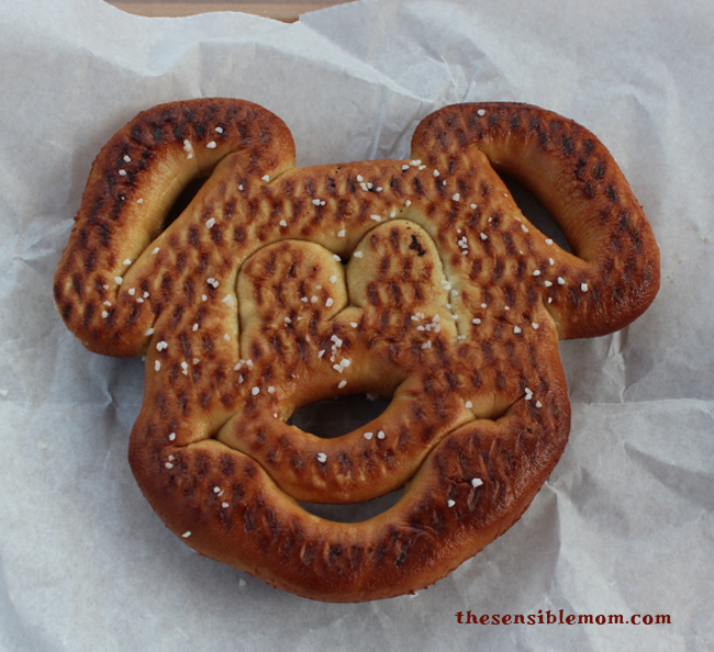 disney world pretzel