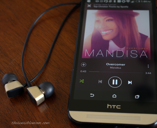 Review and Fave Features of the HTC One (M8) Harman/Kardon Edition smartphone #SprintMom #MC #smartphone