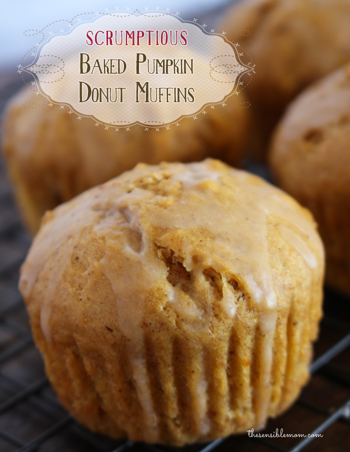 If you're looking for a fabulous donut recipe, you must try these scrumptious baked pumpkin donut muffins! #donut #doughnut #pumpkin
