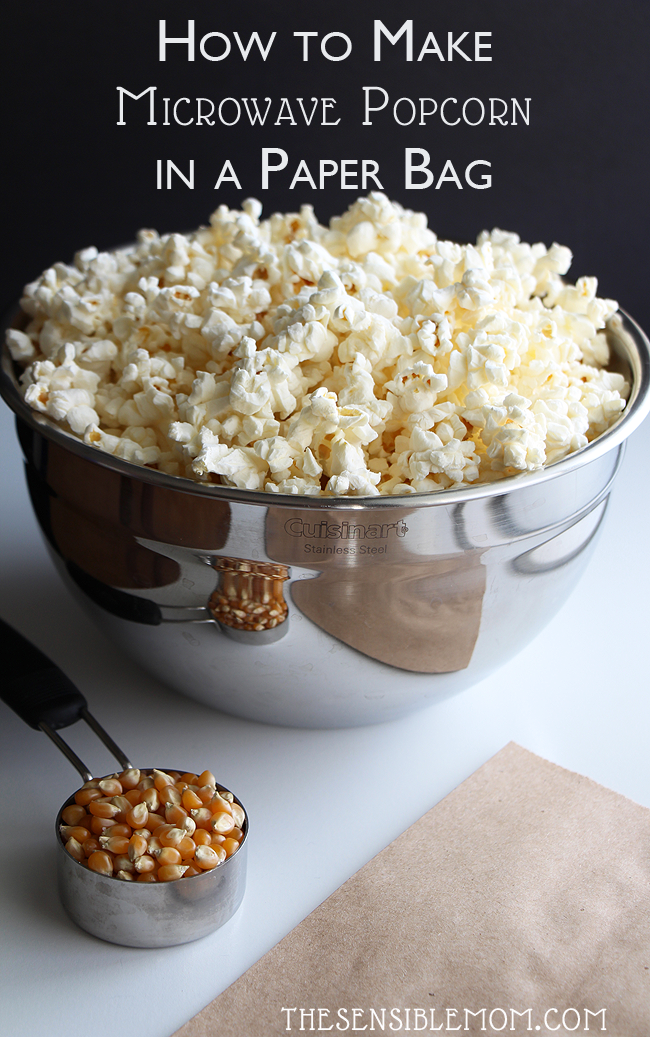 Here's a super simple recipe for how to make Microwave Popcorn in a paper bag #MicrowavePopcorn #popcorn #PopcornRecipe