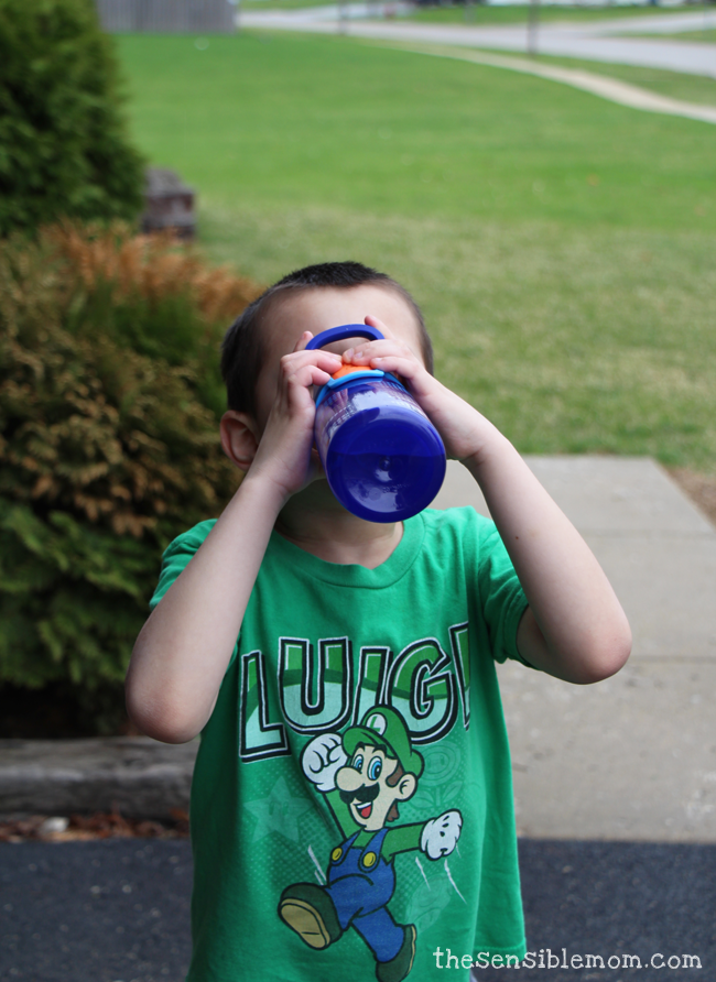 AUTOSEAL Gizmo Sip Kids Water Bottle Review and Giveaway! #SpillProofGizmo