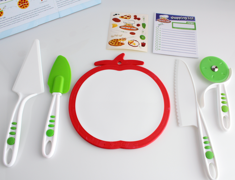 Curious Chef 5-Piece Pizza Kit Plus I'm sharing a recipe for how to make homemade pizza and pizza dough! #recipe #pizza #dough #pepperoni #dinner #ideas #gift #ideas #kids #cooking #video
